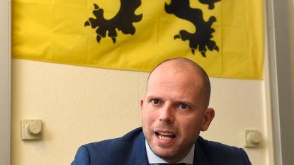 """Theo Francken (N-VA) na de mogelijke visafraude: """"Ik ben géén goedgelovig man"""""""