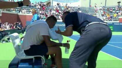 """'Enfant terrible' is op de dool op US Open, waarna umpire neerdaalt van zijn stoel voor """"ongeziene"""" actie"""