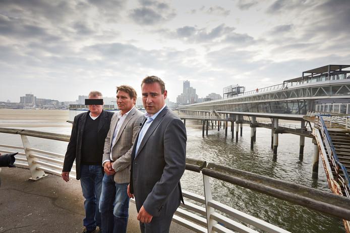 Gemeenteraadslid Richard de Mos (R), ondernemer Aad Rog (M) en Frans B. (L).