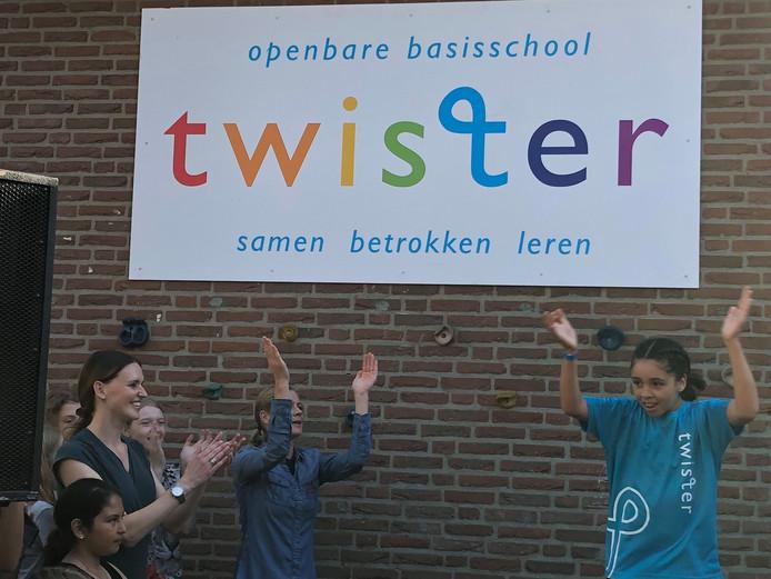 Het naambord van de fusieschool is Twister.