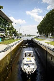 Herstelwerk aan sluis in Doesburg is opgeschort