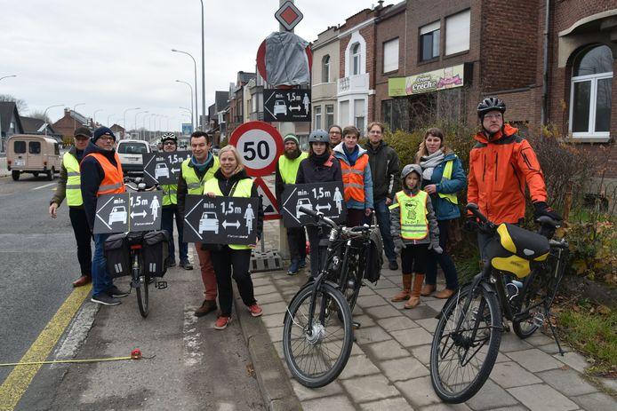 De fietsersbonden van Mechelen en Zemst .voerden actie