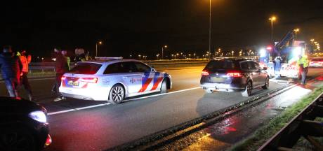 Agenten zetten achtervolging op snelweg in na melding over illegaal gokken