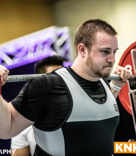 Powerlifter Tim de Vré (25) squat met gewichten van 260 kilo en wil nog zwaarder