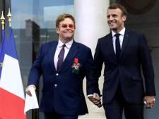 Elton John neemt Franse ere-orde in ontvangst