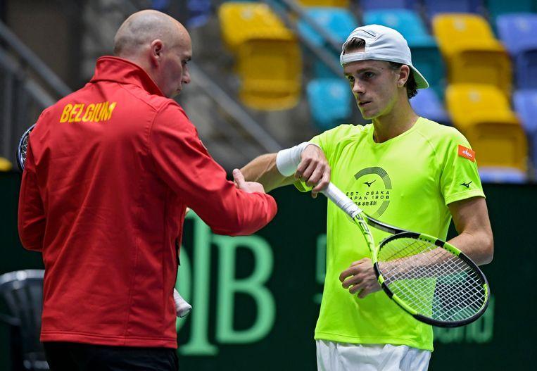 Johan Van Herck met Arthur De Greef op training in een vorig Davis Cup-duel van België.