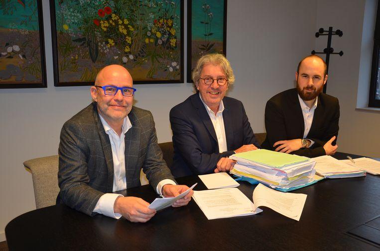 Jo Fonck met zijn advocaten Marc Cottyn en Lennert Dierickx.