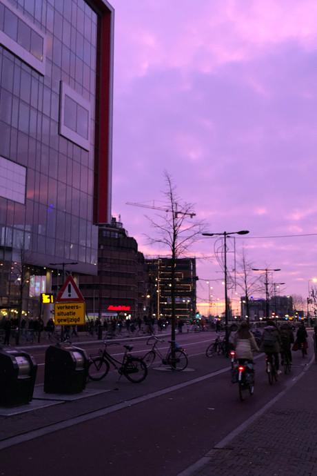 Utrechters vergapen zich aan bijzonder avondrood