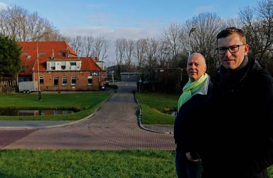 Frits Lakemeier (links) en Maurice de Jongh strijden voor behoud van boerderij Van 't Hoff.