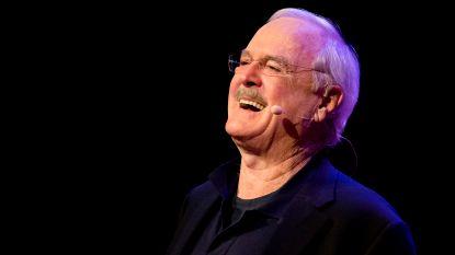 """John Cleese haalt boze Amerikanen op de hals na coronagrap: """"Je bent een neerbuigende eikel"""""""