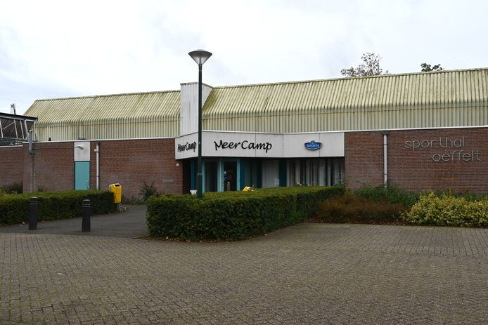 Sporthal de MeerCamp in Oeffelt is hard toe aan een opknapbeurt.