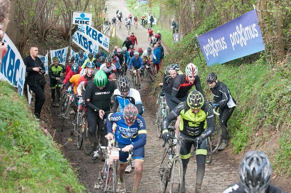 Archiefbeeld - De Ronde van Vlaanderen voor wielertoeristen is uitverkocht: nog nooit zo veel inschrijvingen van buitenlandse toeristen.