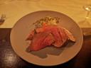De chateaubriand van 't Runderke in Lochem die aan tafel is getrancheerd.