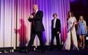 De president nam graag zijn 'hofhouding', zijn gezin plus aanhang, mee naar bijeenkomsten.