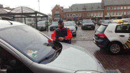 Politie trekt ten strijde tegen foutparkeerders op gehandicaptenparking