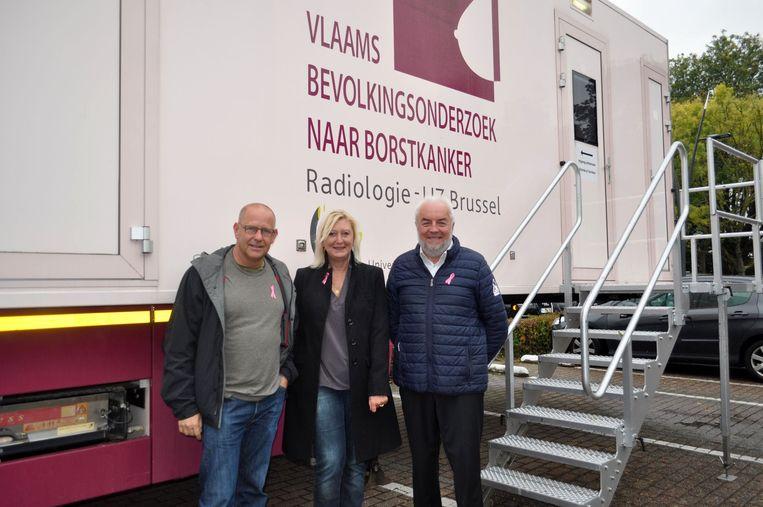 De mensen van de sociale en welzijnsdienst van Sint-Pieters-Leeuw hopen dat veel vrouwen ingaan op de uitnodiging voor de screening om borstkanker op te sporen.