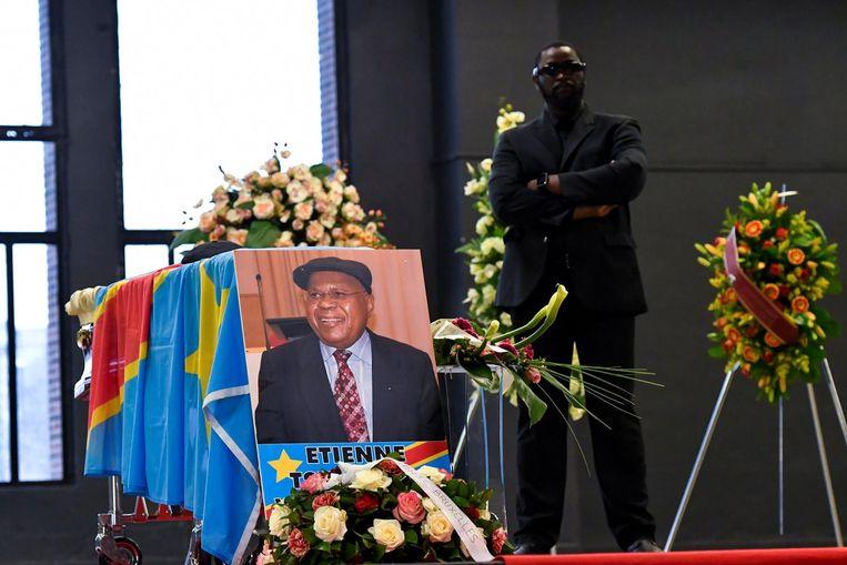 Beeld van de dodenwake voor Etienne Tshisekedi in de Brusselse Heysel in mei 2017.
