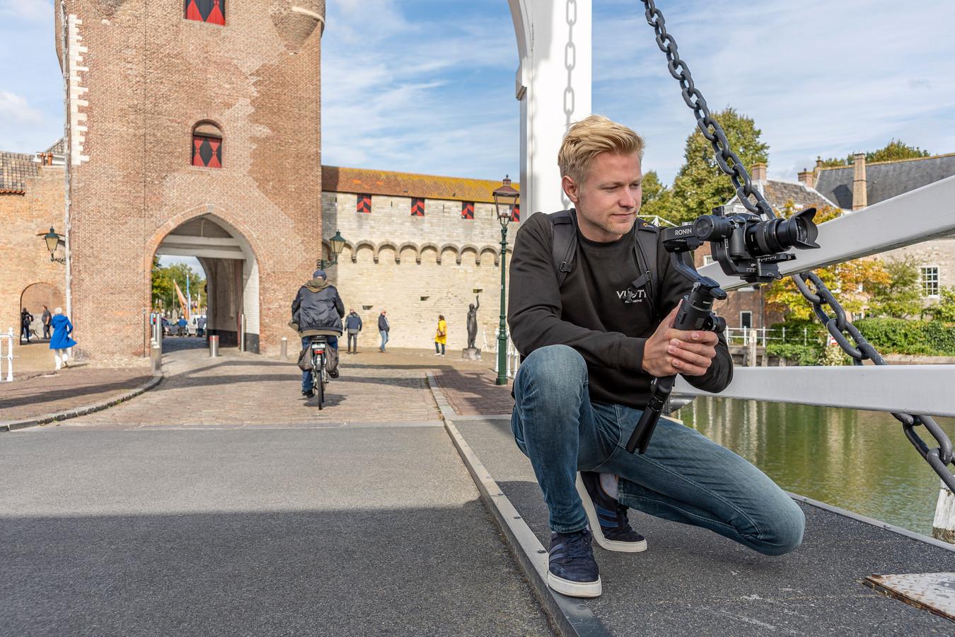 Na de middelbare school was het voor Niek van de Zande even zoeken, maar nu is hij echt op zijn plek als videograaf.