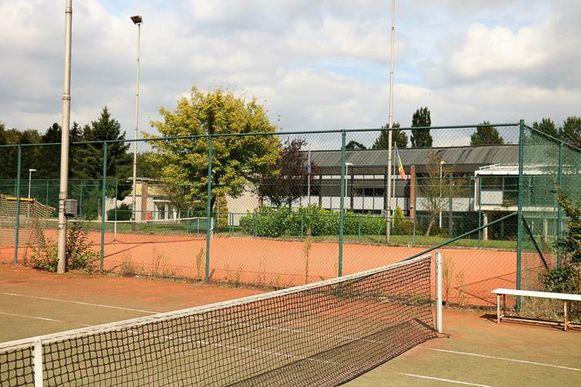 De sportvelden op de voormalige site van Defensie in Duisburg.