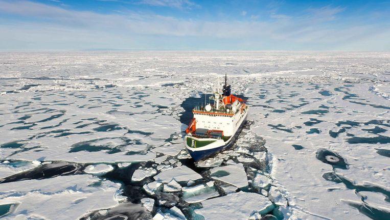 Het onderzoeksschip Polarstern in de Noordelijke IJszee. Beeld null