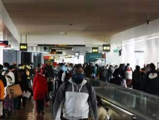 """Ombudsman Brussels Airport trekt opnieuw aan alarmbel: """"Vierde weekend op rij dat het lijkt alsof hier geen coronamaatregelen gelden"""""""