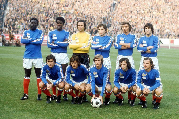Het Franse elftal in 1973. Achterste rij links Jean-Pierre Adams.  Beeld Hollandse Hoogte / Imago Sportfotodienst GmbH