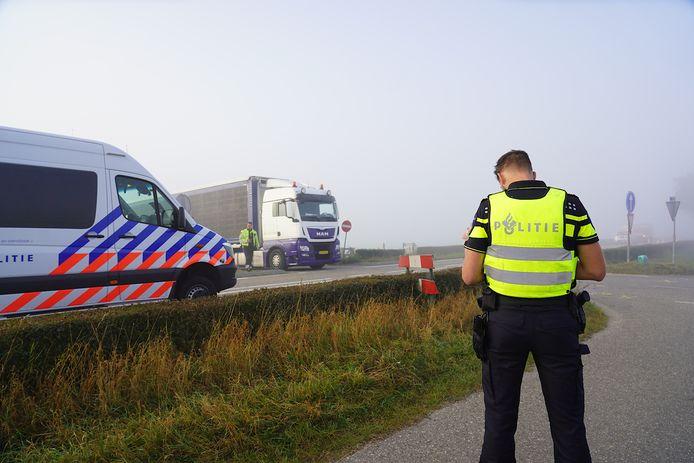 Ongeluk in dichte mist in Hooge Zwaluwe.