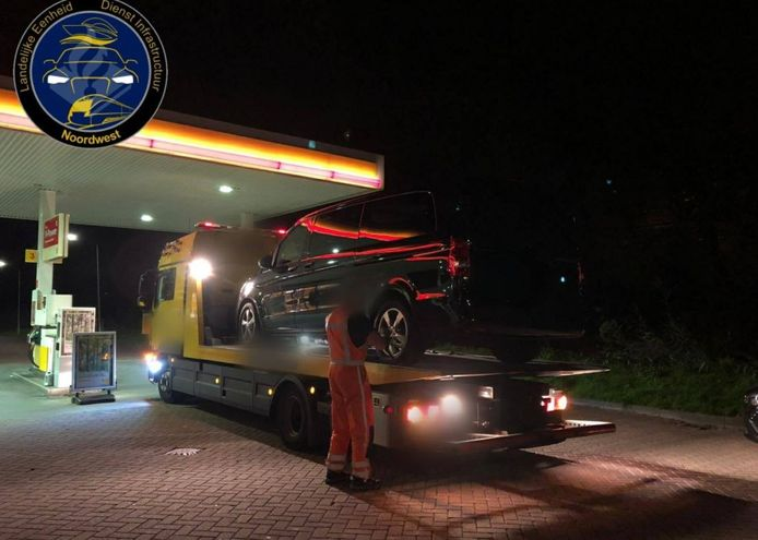 Het taxibusje werd in beslag genomen