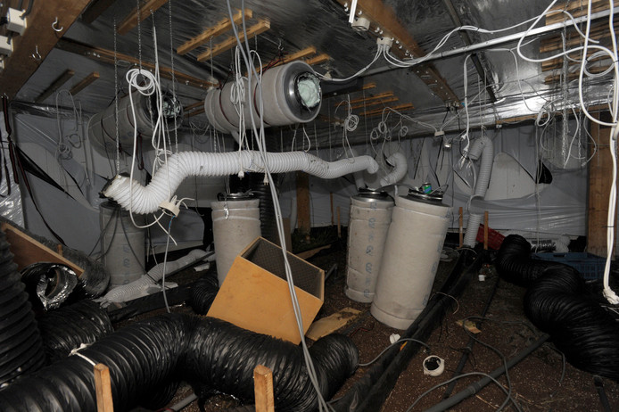 Een ravage in een Wassenaarse villa in 2013. Ook hier werd een hennepkwekerij aangetroffen. Herstel kostte 55.000 euro.