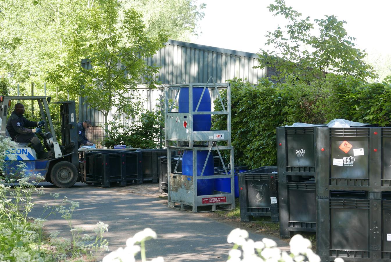 De ontmanteling van een groot drugslab in Liempde nam in mei een dag in beslag.