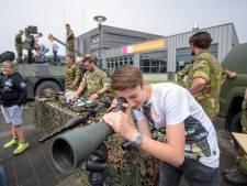 Landmacht lanceert charmeoffensief op Sondervick college in Veldhoven
