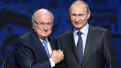 """Poetin nodigt Blatter en Platini uit op WK: """"Dat zijn oude vrienden"""""""