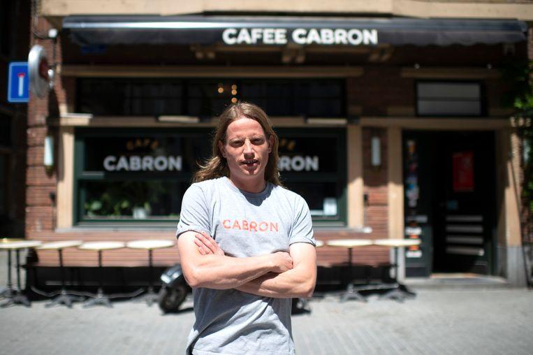 Hans Vanherck van Cafee Cabron vlak bij de Grote Markt in Antwerpen.