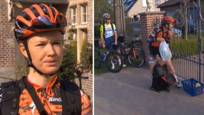 """Jolien D'hoore bracht ook vandaag boodschappen rond met de fiets: """"Leuk om mensen plezier te kunnen doen"""""""