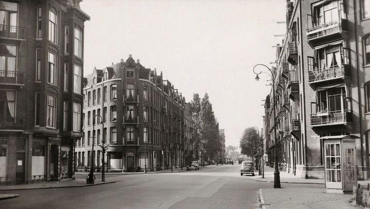 De Andreas Bonnstraat in 1940. In deze straat zouden de panden 21-23 in een dossier belanden over wanbetaling door de Joodse eigenaar in de daaropvolgende jaren. Beeld Stadsarchief