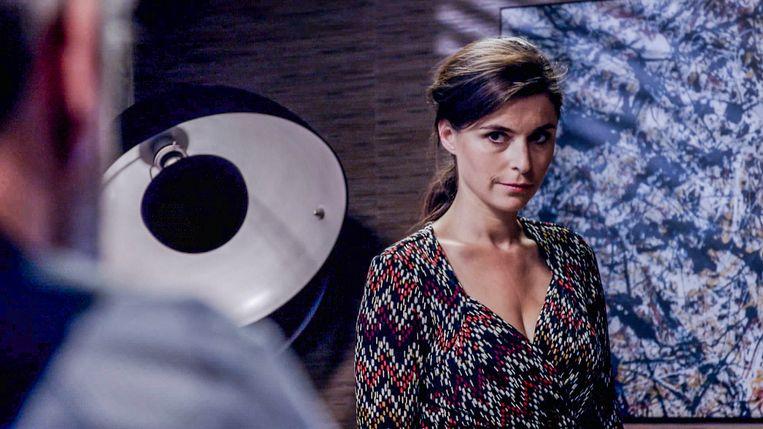 Lien Van de Kelder kan nu haar meest onheilspellende gezicht opzetten.