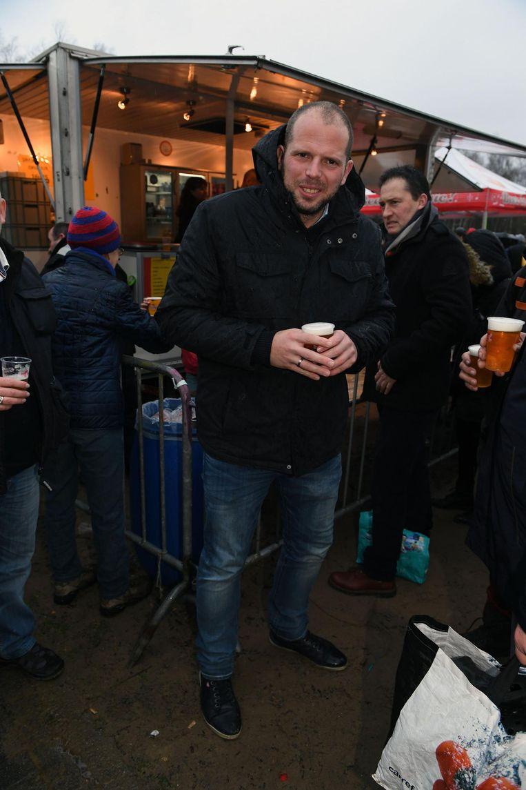 Oudejaarsduik in de Plas van Rotselaar met Ben Wets en een pinten drinkende Theo Francken (tekst Stefan). En met Dirk Claes en Bart Nevens.