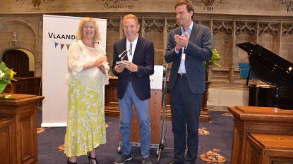 Will Tura ontvangt Gulden Spoor voor Culturele Uitstraling