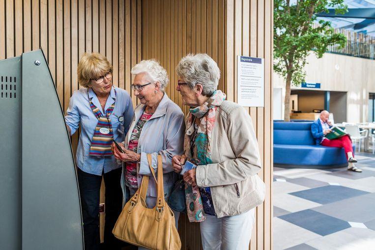 Ziekenhuizen hadden geen behoefte meer aan het predicaat 'Seniorvriendelijk ziekenhuis'. Beeld Freek van den Bergh / de Volkskrant