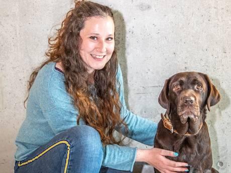 Na jaren kan Melissa uit Zwolle eindelijk met hulphond Blitz naar de supermarkt
