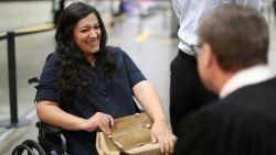 Hoogzwangere Tatev wacht al 17 jaar op naturalisatie: voorweeën houden haar niet tegen