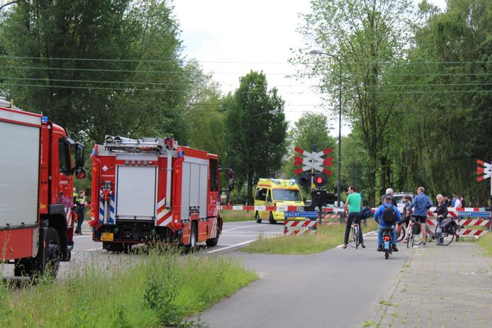 Bij station Apeldoorn heeft dinsdag, vroeg in de avond, een aanrijding met een persoon plaatsgevonden. Daardoor ligt het treinverkeer tussen Apeldoorn en Amersfoort uren stil.