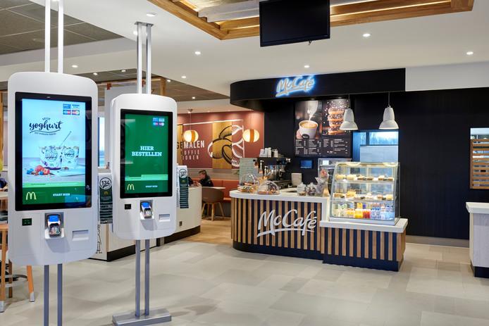 Touchscreens bij McDonalds Oosterhout. Nederlandse schermen zijn niet getest.