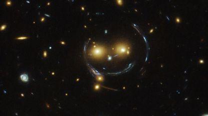 Hubble spot smiley in het universum