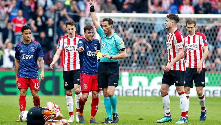 Makkelie floot ook de kampioenswedstrijd vorig seizoen, toen Ajax in Eindhoven met 3-0 verloor. Beeld Pro Shots