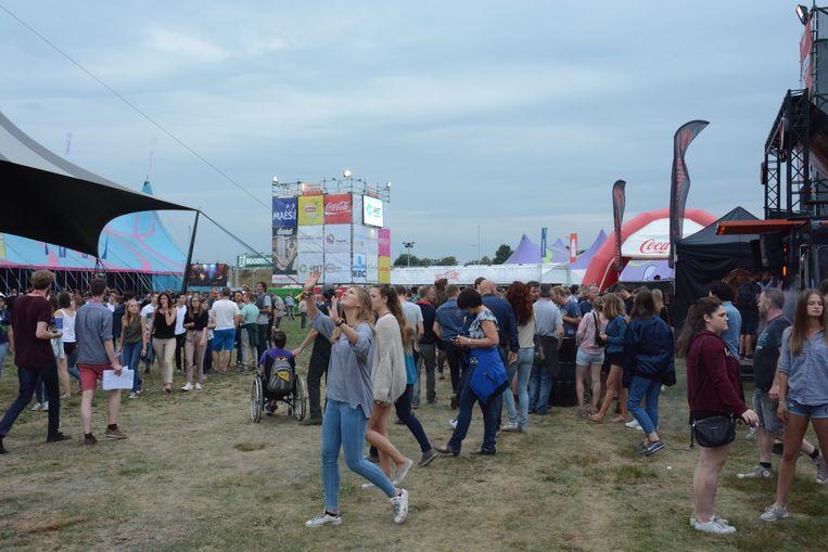 Op de festivalweide was het al vroeg over de koppen lopen.