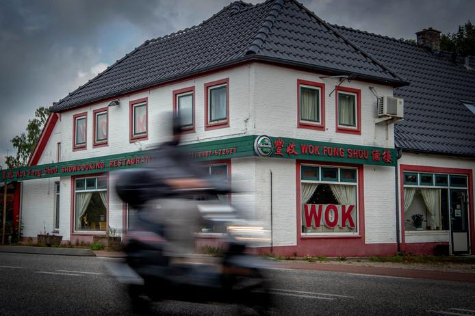 Het wokrestaurant is al even dicht.