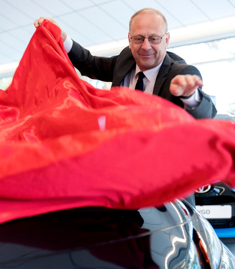Jos van Boxtel van gelijknamig autobedrijf in Den Bosch, Middelrode en Oss schakelt terug naar 'vrij'