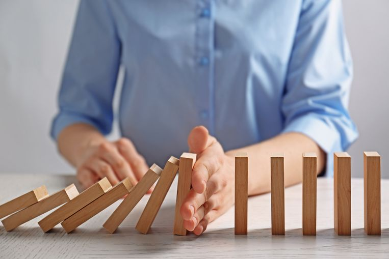 Stel dat een collega gepest wordt, grijpen we dan in of kijken we gemakshalve de andere kant op?