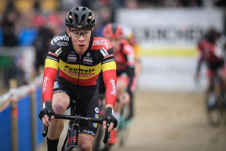 Laurens Sweeck is op weg naar de eindoverwinning in de Superprestige, al kan Eli Iserbyt er nog tussen gefietst komen. Volg zaterdag de ontknoping in Middelkerke.